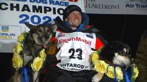 Iditarod 2021: Dallas Seavey ties record for most-ever wins in iconic sled dog race (02:55)