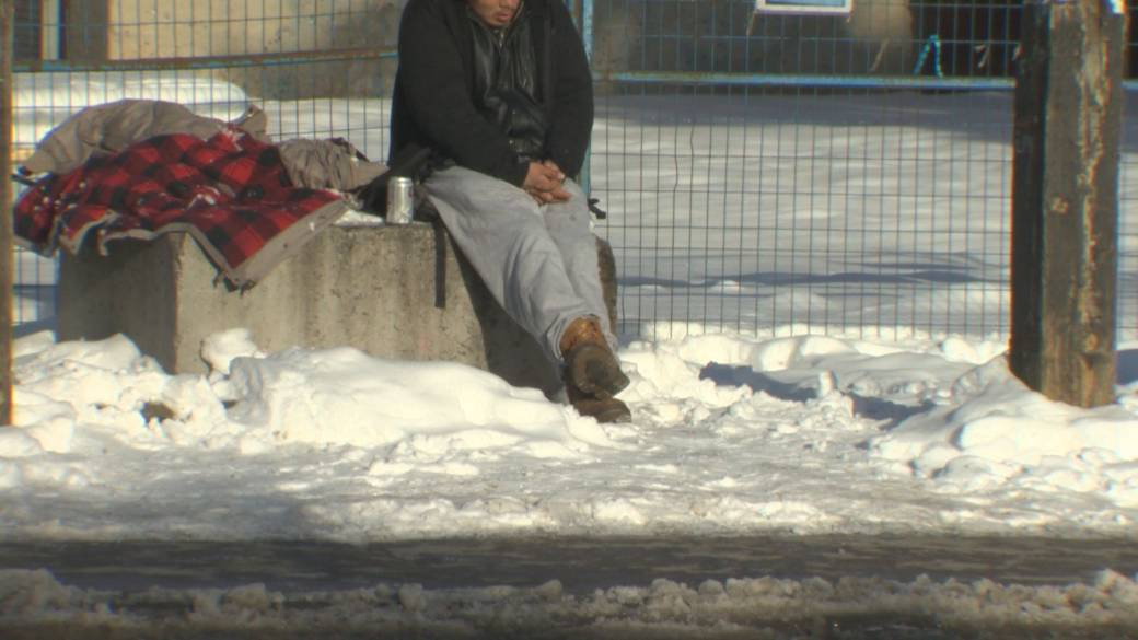 Click to play video 'Quebec will exempt homeless from COVID-19 curfew after court ruling'