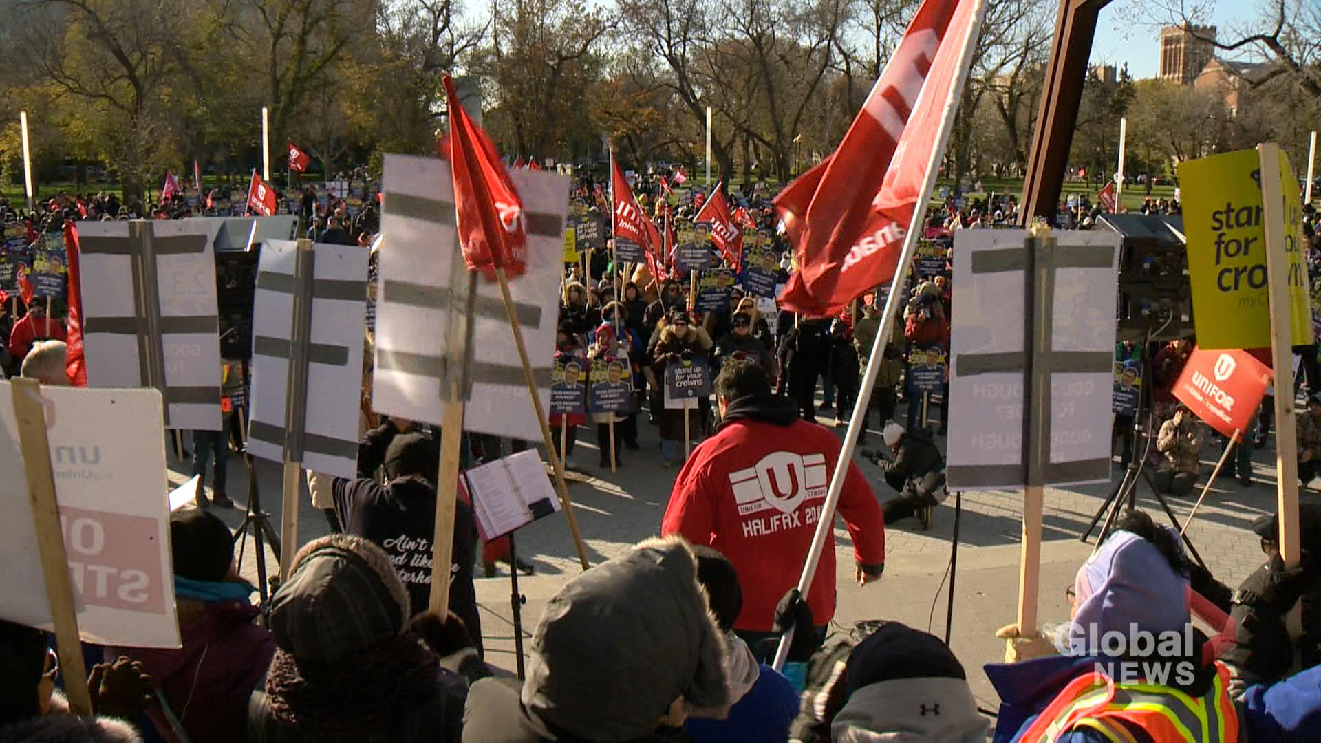 Over 1,000 striking Crown employees rally in downtown Regina