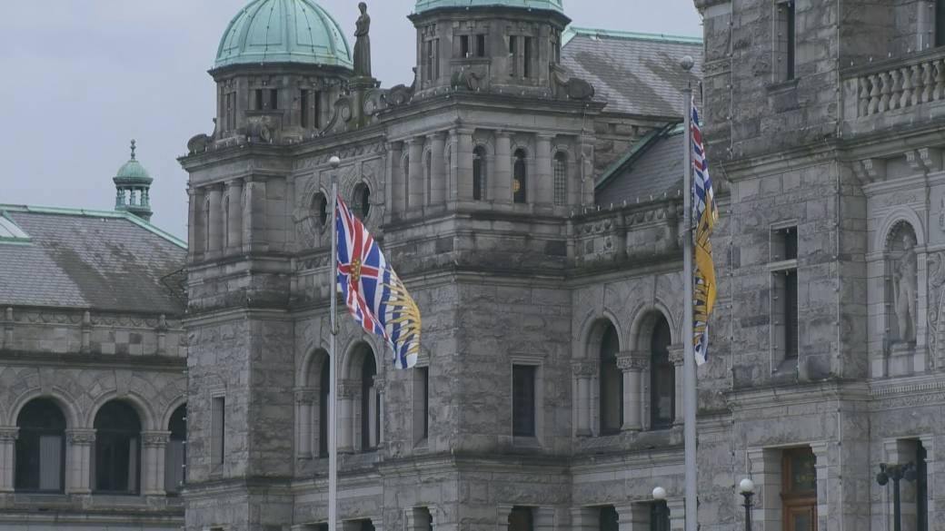 Province calling into CRA to help collect unpaid MSP bills