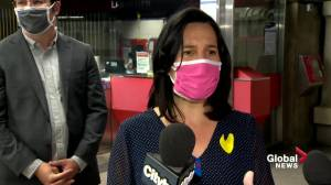 Montreal, Laval public transit agencies hand out free masks amid coronavirus pandemic