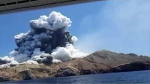 'Indescribable' Tourists capture moment volcano erupts on White Island in New Zealand