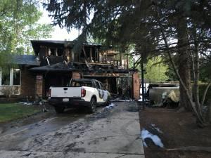 Calgary firefighters battle blaze in Dalhousie (01:57)