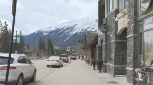 Canada-U.S. border uncertainty concerning for Jasper National Park (01:51)