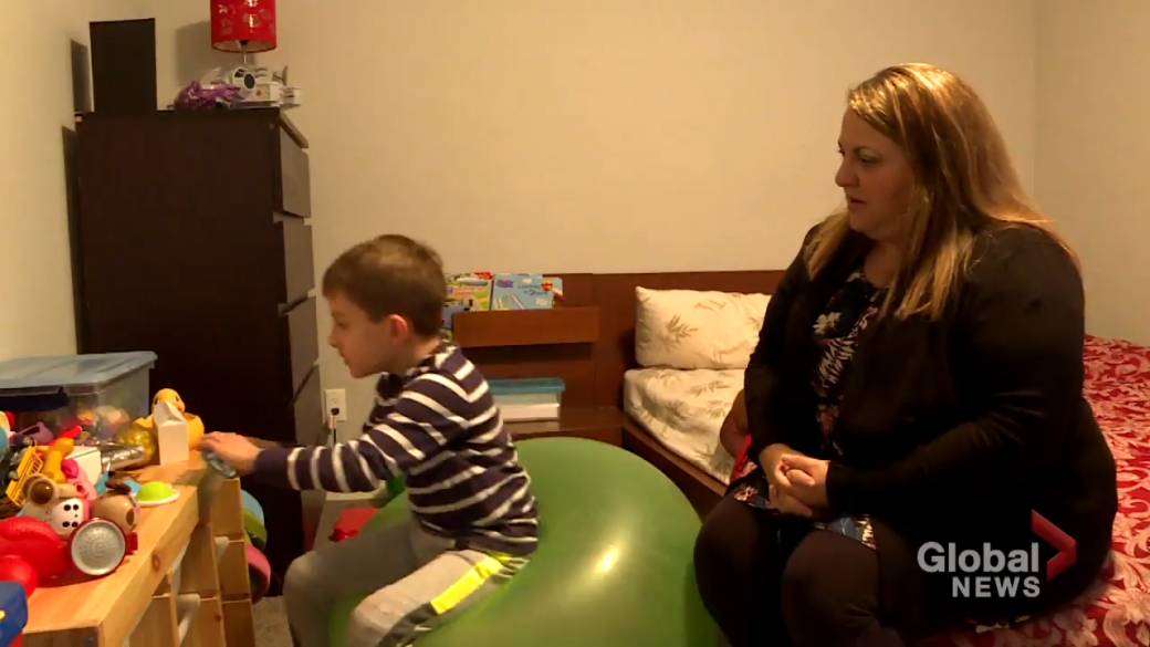 Click to play video: 'Alberta parents of children with special needs ask province to allow in-person therapy'