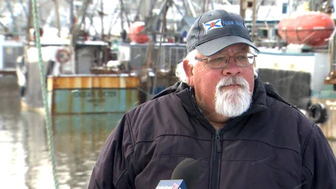 Click to play video: Digby, NS residents apprehensive as search continues for missing scallop boat