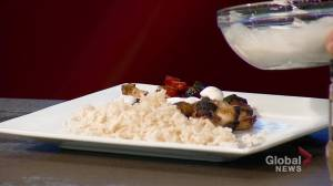 Global News Morning Holiday Cooking: Tom Vernon's spiced lime chicken and cumin rice (06:42)