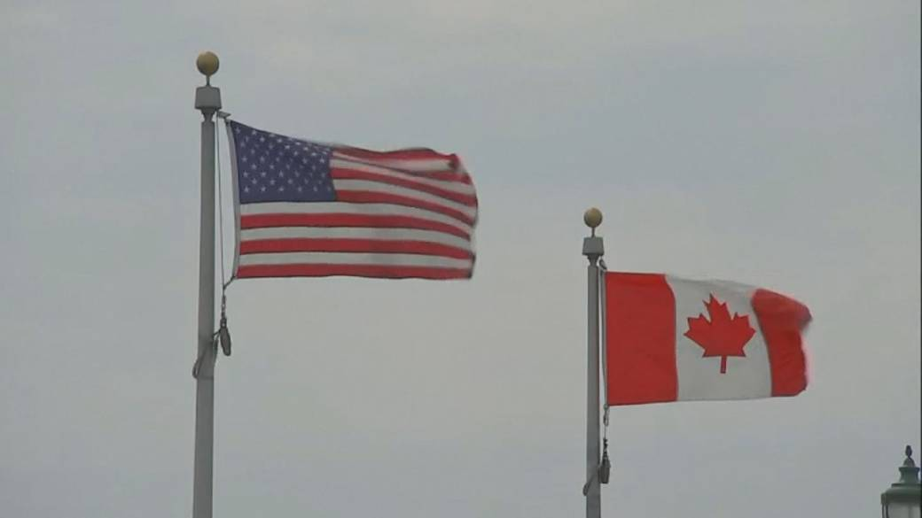 Click to play video: 'U.S. expected to reopen land border to vaccinated Canadians in November'