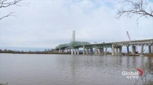 Old Champlain Bridge welcomes pedestrians