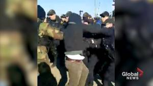 Video shows moment OPP move in to arrest Tyendinaga protesters