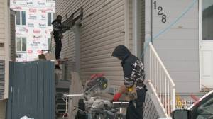 Warm winter weather helps continuing repair job after historic Calgary hailstorm (01:46)