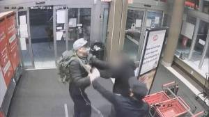 Caught on video: violent shoplifting incident in Vancouver (01:58)