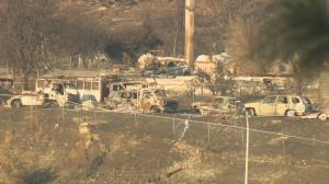 Haunting images of Lytton in aftermath of devastating wildfire (03:00)