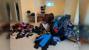 Huskies clothing drive provides warmth to hundreds of Saskatoon kids (01:40)