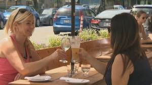 Want to eat out? You'll soon need to show proof of vaccination (04:20)
