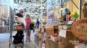 Are Quebecers shopping locally?