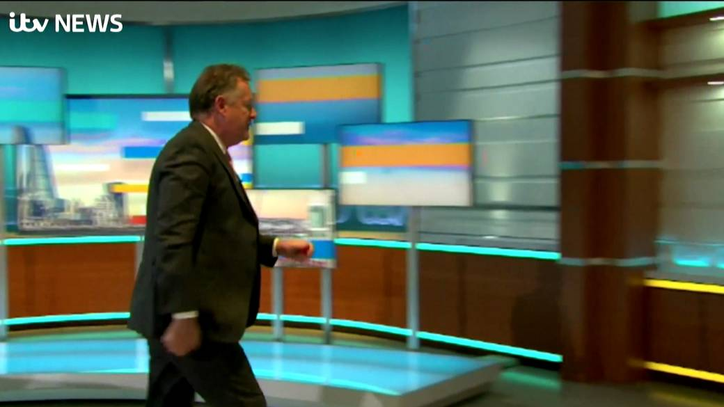Click to play video 'Piers Morgan storms off the set of 'Good Morning Britain''