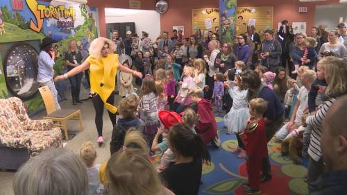 Kelowna's drag queen storytime grows in popularity despite controversy   Watch News Videos Online - Globalnews.ca