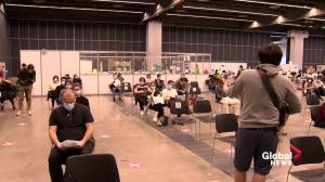 Walk-in vaccine clinic at Palais des congrès  attracts hundreds on first day (01:34)