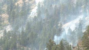 Concern remains for Trepanier residents as Mount Law wildfire continues to burn (01:49)