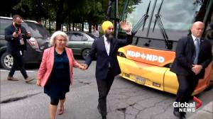 Federal Election 2019: Jagmeet Singh enjoys some poutine at campaign stop in Saint-Hyacinthe, QC