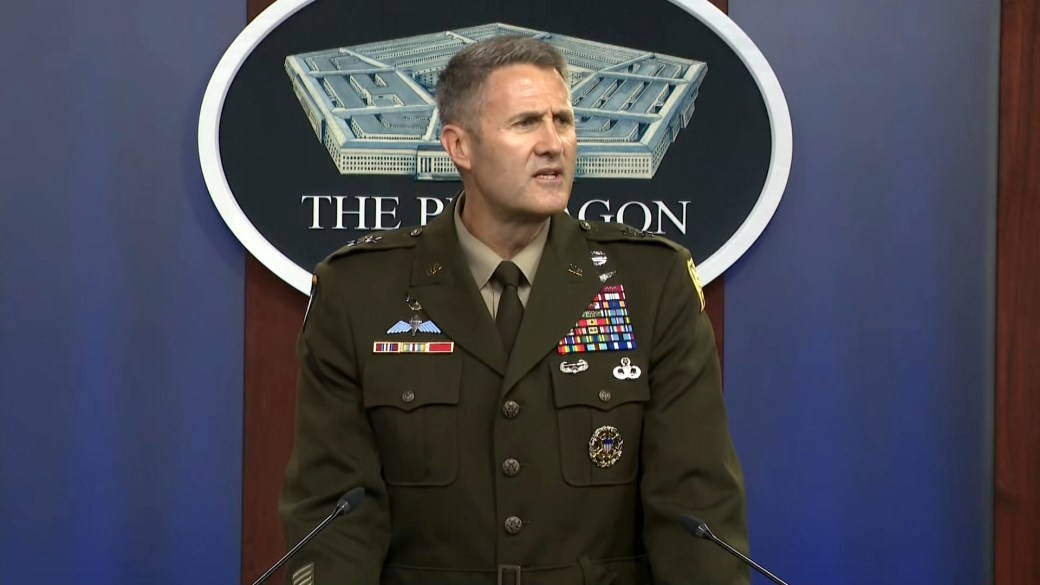 Click to play video: 'Afghanistan crisis: Pentagon confirms single suicide bomber struck airport gate in Kabul'