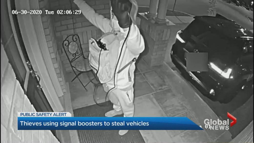 Click to play video 'High-tech vehicle theft in Toronto's east end caught on camera'