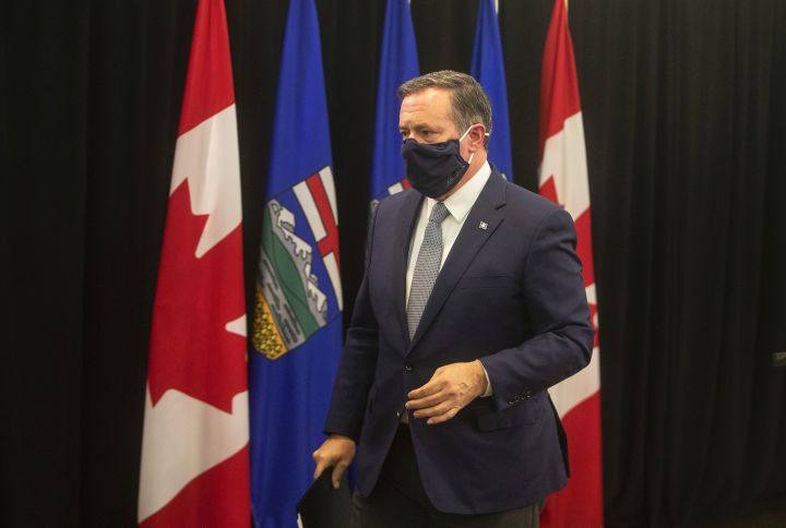 Click to play video: 'Premier Jason Kenney shuffles cabinet as calls for his resignation grow louder'