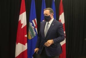 Premier Jason Kenney shuffles cabinet as calls for his resignation grow louder (01:34)