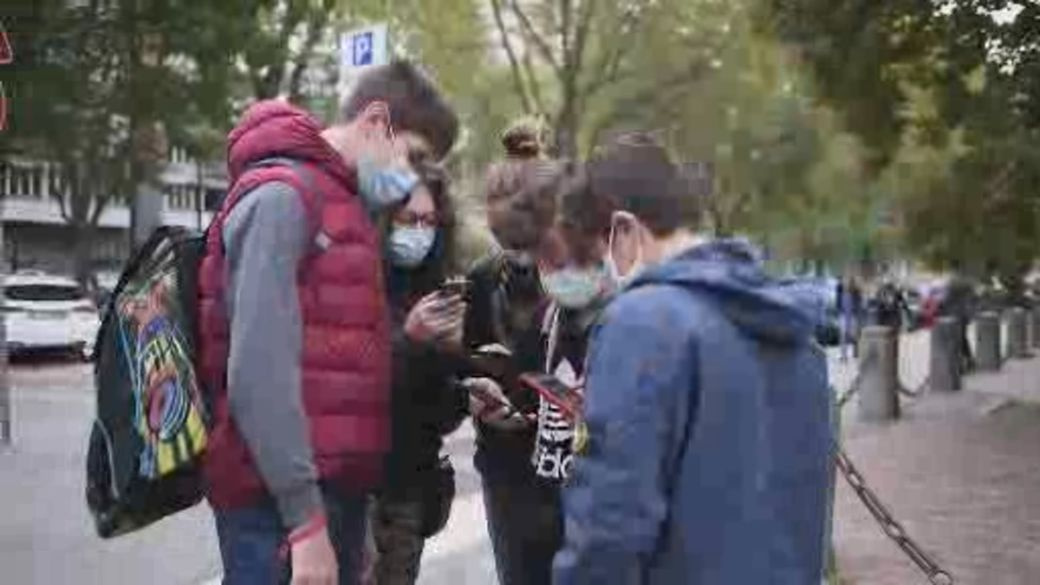 Click to play video: 'How vaccinating young people could change the course of the pandemic in provinces'