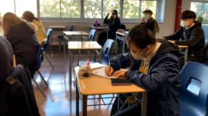 Schools ease mask restrictions in Quebec as heat sets in (01:02)