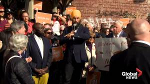 Federal Election: Singh says Trudeau, Scheer work for those 'at the very top'