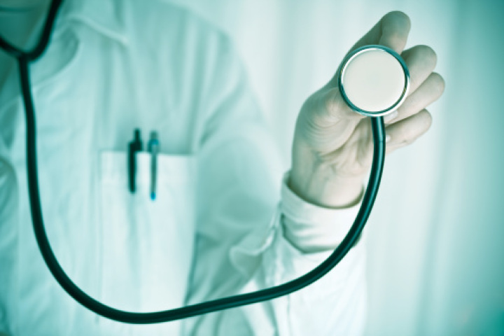 Doctor, NDP and health minister on proposed changes to Alberta physician compensation