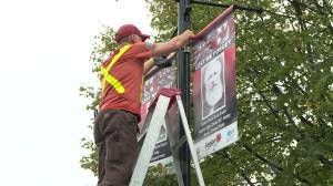 Despite poor weather conditions banners go up in Perth, Ontario honouring veterans (01:24)