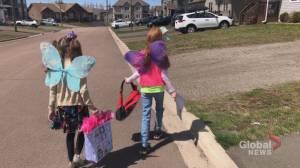 New Brunswick mom starts 'doorstep fairies' to support her neighbours