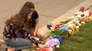 Oshawa, Ont., mourns loss in mass shooting that killed family and alleged suspect (01:58)