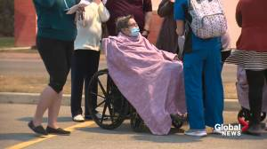 Frightening night for St. Albert families as fire consumes Citadel Mews seniors home (01:36)