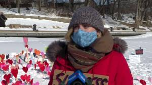 Memorial of hearts along Assiniboine River trail honours Manitoba lives lost to COVID-19 (01:47)