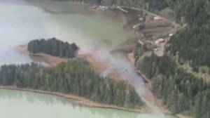 Heavy rain forces evacuation of B.C. community of Rivers Inlet (01:49)