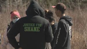 Friends of fatal shooting victim Shane Smith resume search for his body near Calgary city limits (02:01)