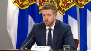 Nova Scotia shuts down border to 7 provinces as COVID-19 cases increase (01:20)
