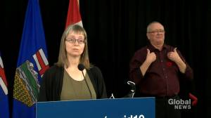 9 Alberta hospitals have COVID-19 outbreaks, hospitalizations concerning: Hinshaw (01:16)