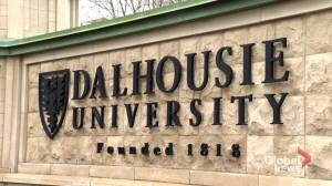 Some Dalhousie University students express concerns over mandatory vaccine policy (01:53)