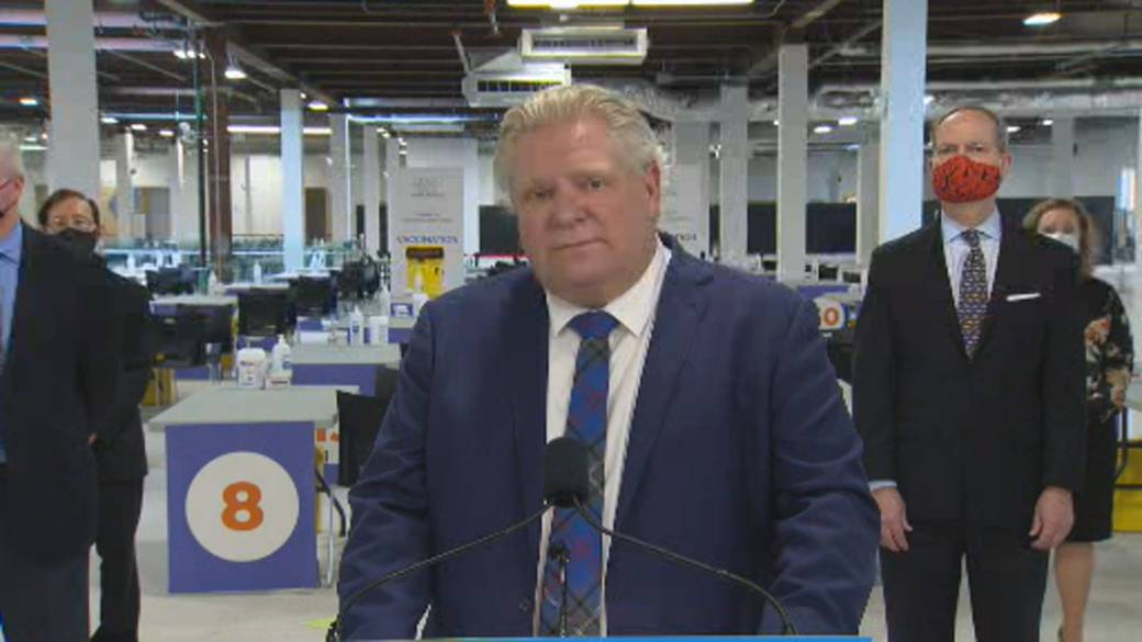 Click to play video: 'Ontario Premier Ford Says Restaurant Workers Can Get Vaccinated In Phase 2, Will Confirm If Taxi Drivers Can'
