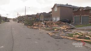 Parts of Barrie seriously damaged after tornado (02:36)