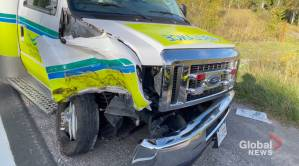 3 injured after dump truck and ambulance collide in Trent Hills (00:41)