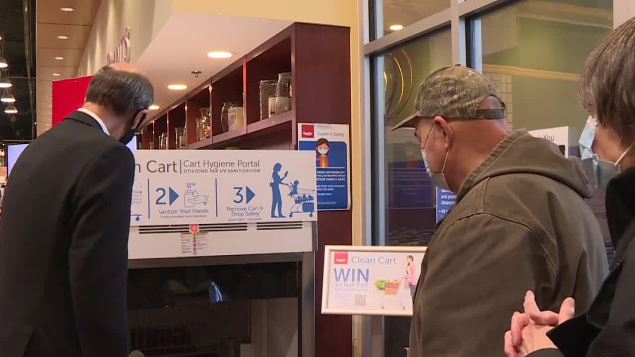 Innovative new cart cleaning device uses far-UV light at Victoria grocery store