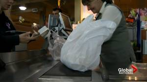 Push to ban plastic bags grows (02:12)