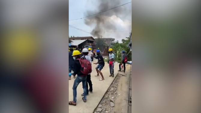 Click to play video: Myanmar protests continue on eve of Armed Forces Day as death toll surpasses 300