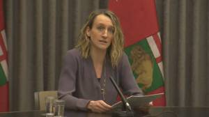 Coronavirus: Manitoba to delay administering second dose of COVID-19 vaccine (00:41)